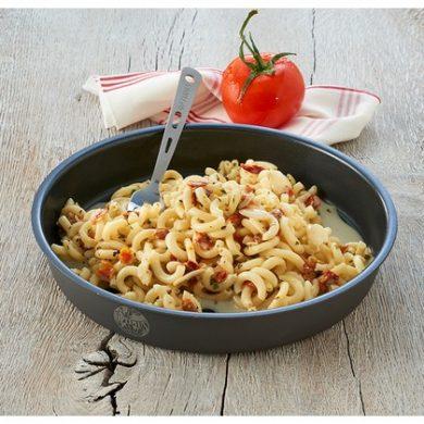 Trek'N Eat Salmon Pesto with Pasta